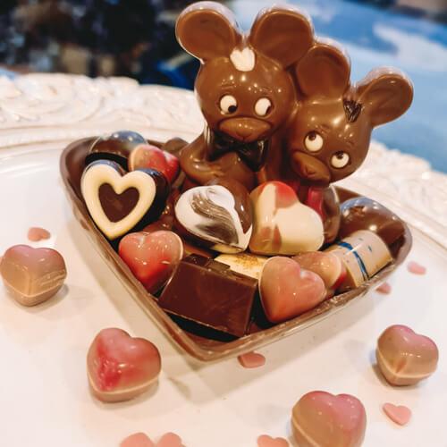 Valentijn verliefde muisjes in chocolade